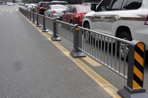 新型隔离护栏