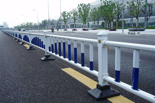 异型管组装护栏