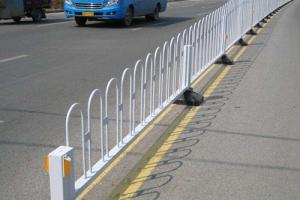 通化双立柱京式护栏